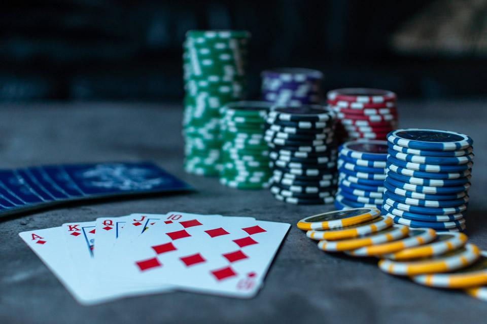 Mobilni casino_Caribbean Poker