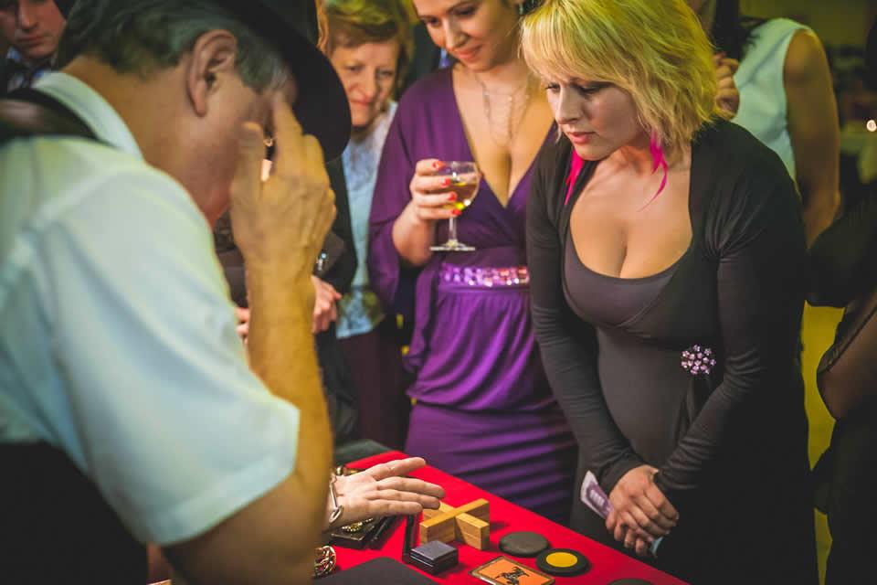Mobilni casino_Falesny hrac 1
