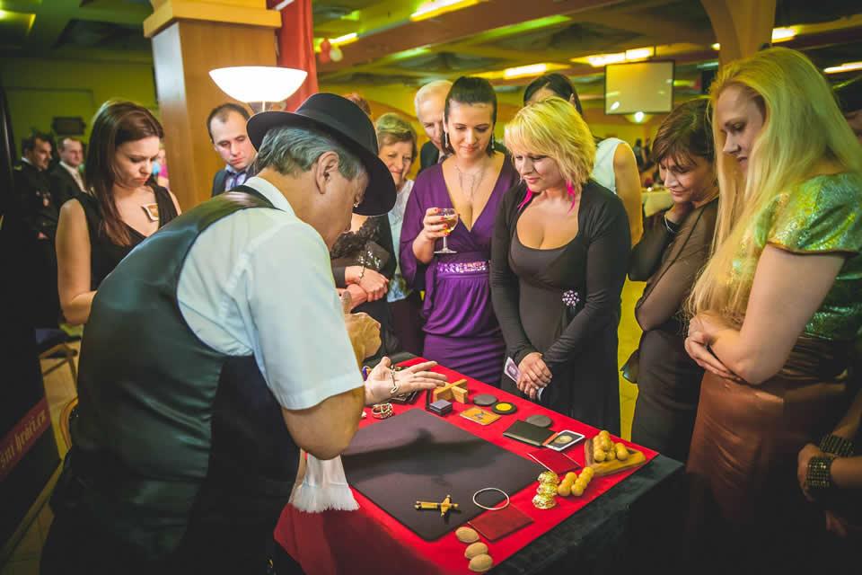 Mobilni casino_Falesny hrac 2