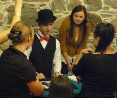 Hra SKOŘÁPKY je výborný program na firemní akci, večírek, oslavu